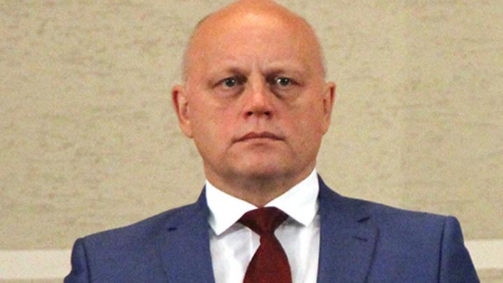Федеральное издание сообщило о планируемой отставке губернатора Омской области