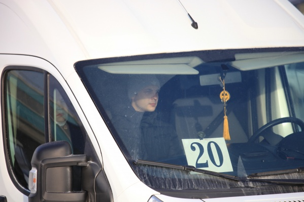 """Маршрутка <nobr class=""""_"""">№ 20</nobr> возит пассажиров из микрорайона «Щ» до «Речного вокзала»"""