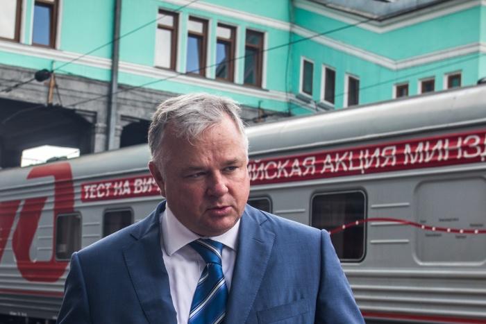Министр здравоохранения Олег Иванинский отметил, что замена главных врачей на более молодых происходила и до принятия закона