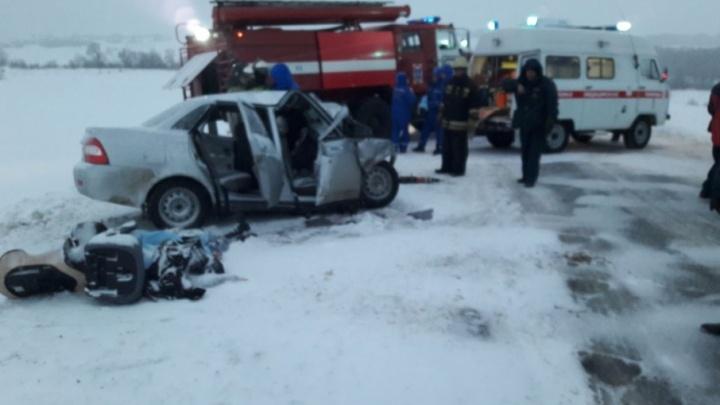 Смертельная авария на трассе в Башкирии: погибла женщина и двое маленьких детей