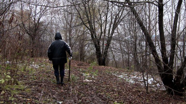 «Юбку нашли около березы»: сын пропавшей пермячки показал, где обнаружили её одежду
