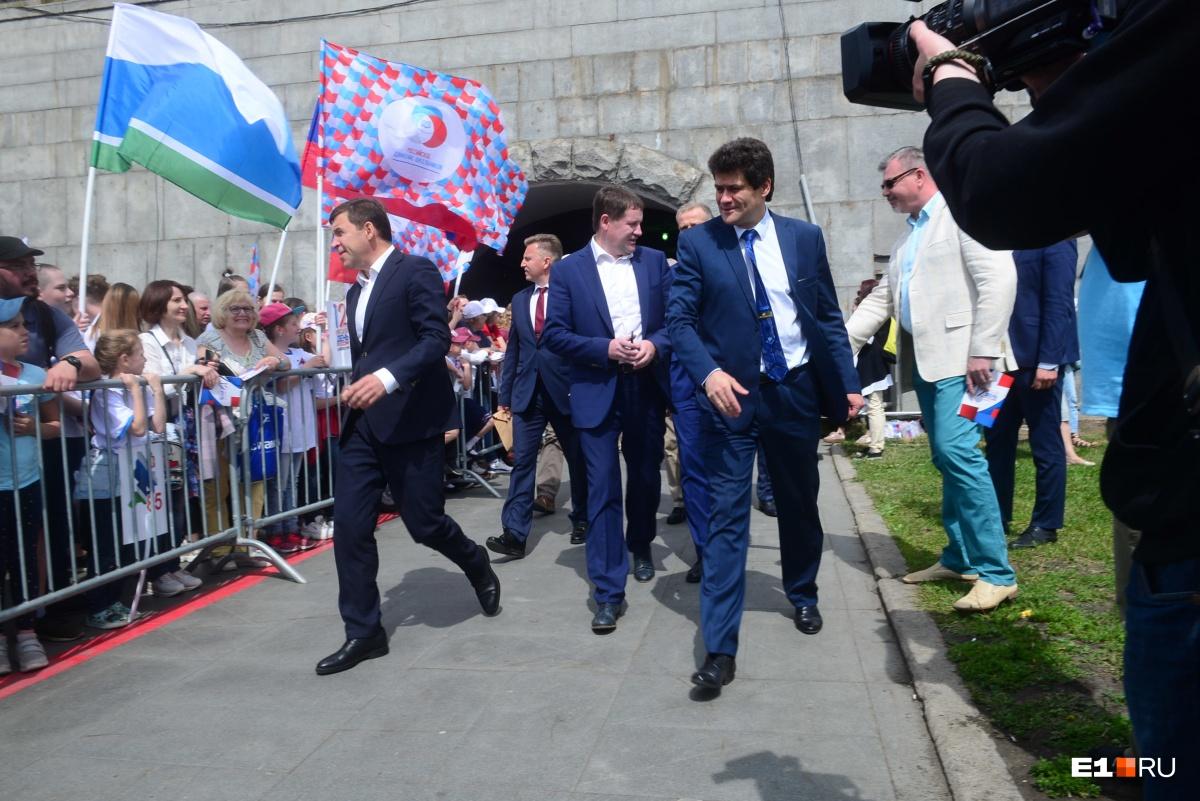 Справа — мэр Александр Высокинский, слева — губернатор Евгений Куйвашев