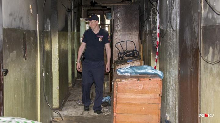 «Увидел, что у женщины горят ноги»: участковый из Ярославля спас на пожаре двух человек