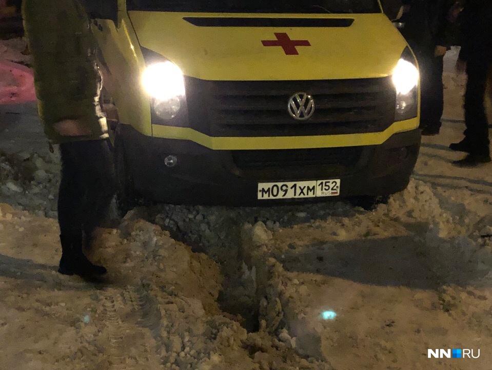 Автомобиль не мог выбраться самостоятельно из снежного плена
