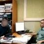 Ярославец с шумной компанией пришёл к приставам отстаивать свои права, но остался без телефона