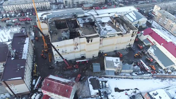 «Там 20 взрослых, остальные — дети»: родственники осмотрели тела сгоревших в «Зимней вишне»