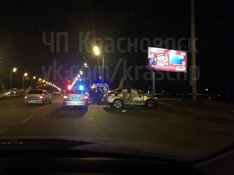 В трагедии  наОктябрьском мосту пострадали трое