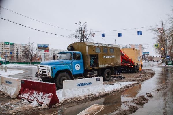 В центре Тюмени устраняют последствия коммунальной аварии&nbsp;<br>