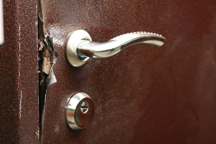 Авария в квартире без хозяина может стать серьёзной проблемой для соседей
