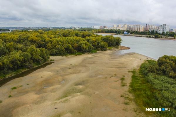 Обмелевшее русло Иртыша превратило остров в часть левого берега