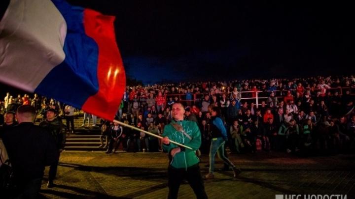 В ночь на воскресенье по Новосибирску пустят фанатские автобусы