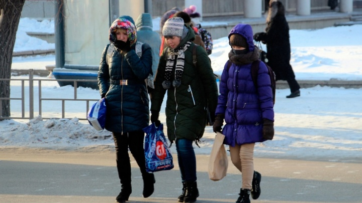 Учёные против мифов: как нужно одеваться в морозы и помогает ли водка согреться