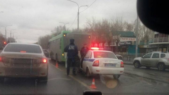 Поездка в автобусе закончилась для пожилого тюменца визитом в больницу