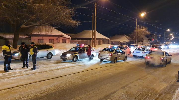 Неизвестный водитель насмерть сбил мужчину в Дзержинском районе и скрылся