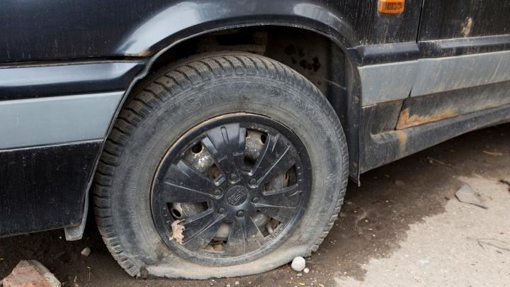 В Ярославской области гаишники прострелили колёса другому водителю