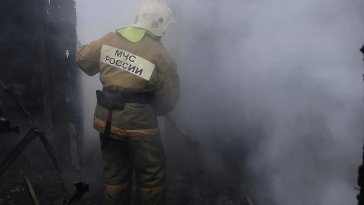 В Ростовской области пожар в многоквартирном доме унес жизнь человека