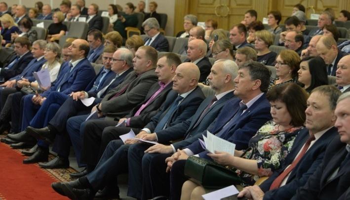 За неделю до Нового года в бюджете Омской области осталось 7 миллиардов рублей