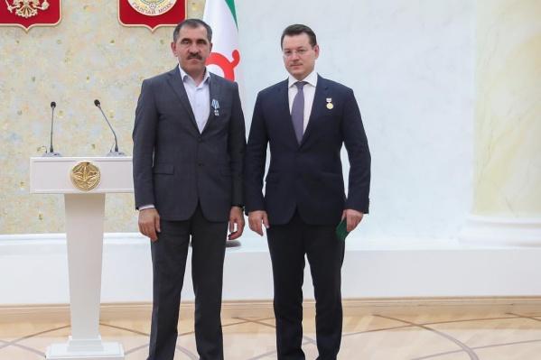 Александр Куманяев — справа