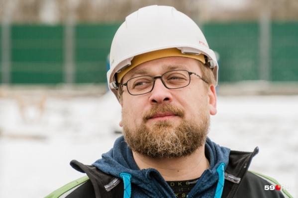 Илья Козырев на стройплощадке нового зоопарка