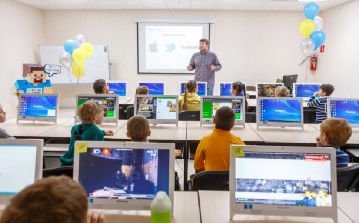 В кибершколе воспитывают юных гениев