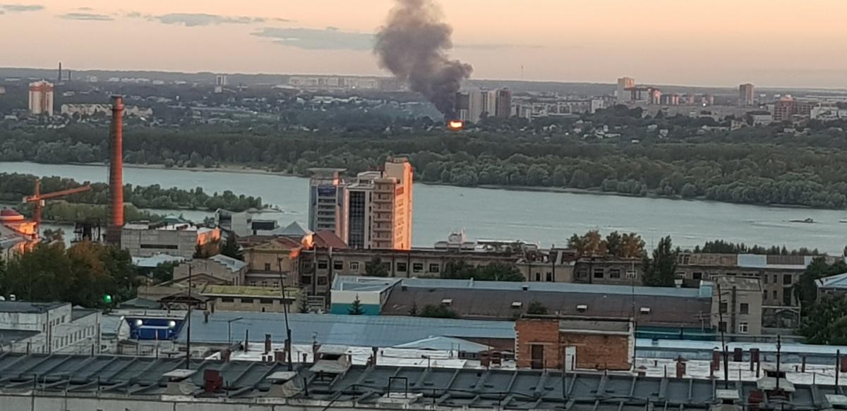Читатели отмечают, что пожар случился в районе Тульской