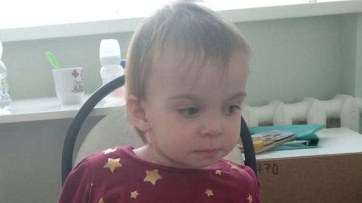 «Вика с нами на полгода»: дочь погибшей в ДТП с такси волгоградки на время передали родным