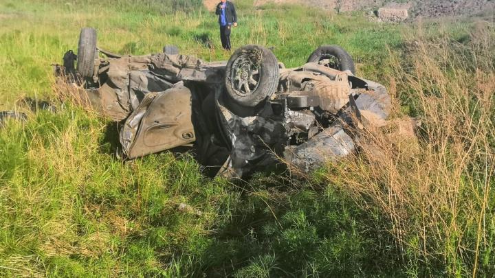 В Новосибирской области пассажирский поезд столкнулся с автомобилем: есть погибшие