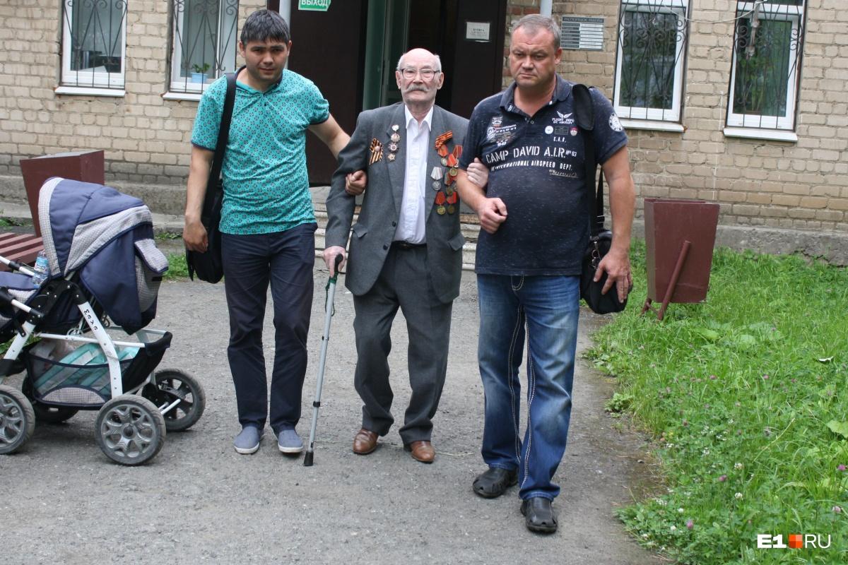 Ветеран уверяет, что после побоев потерял возможность ходить самостоятельно