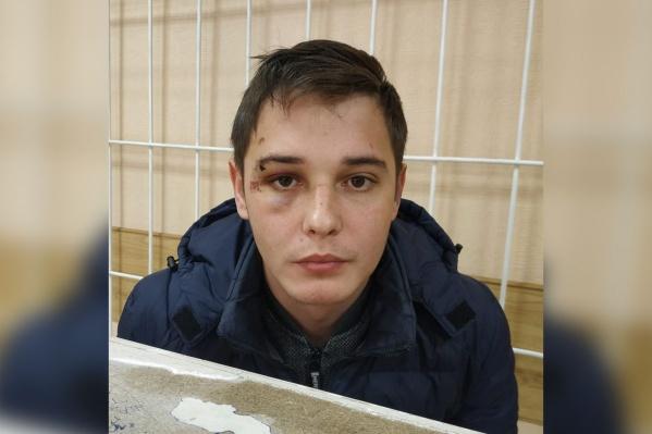 Алексей Мищенко говорит, что его били наручниками по лицу