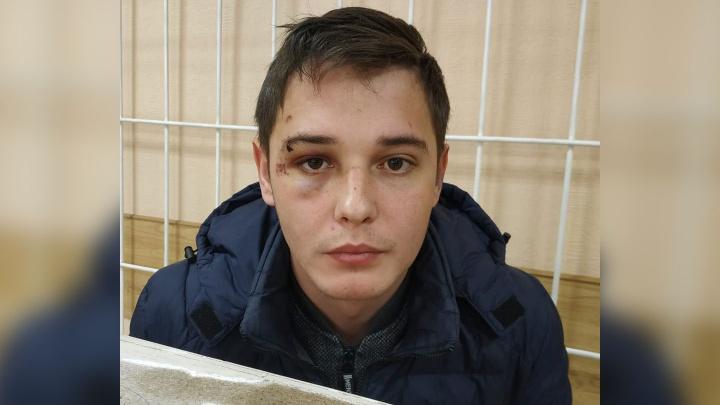 «Лицом в грязный пол»: новосибирец обвинил участкового полицейского в нападении