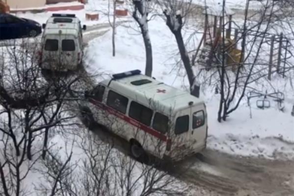 Машину попытался вытянуть другой автомобиль скорой помощи