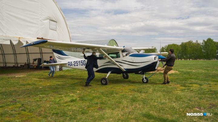 «Я продолжаю летать и делаю это на законных основаниях»: хозяин аэродрома Летова о запрете полётов