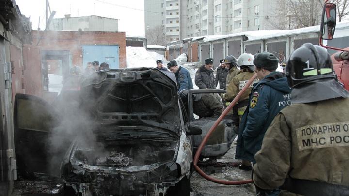 В Перми ночью из-за поджога выгорел салон автомобиля