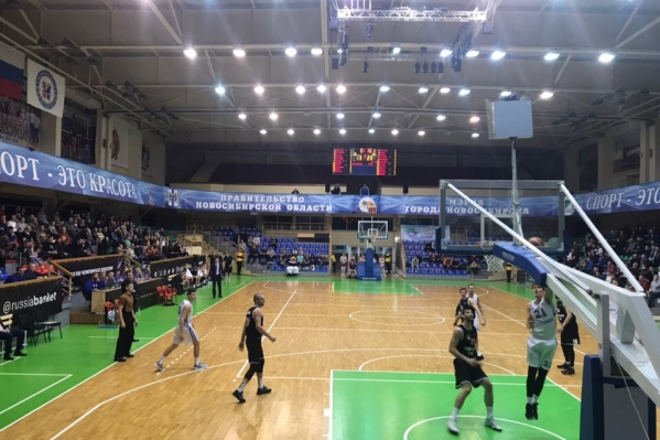 Новосибирская команда не смогла победить баскетбольный клуб изРевды