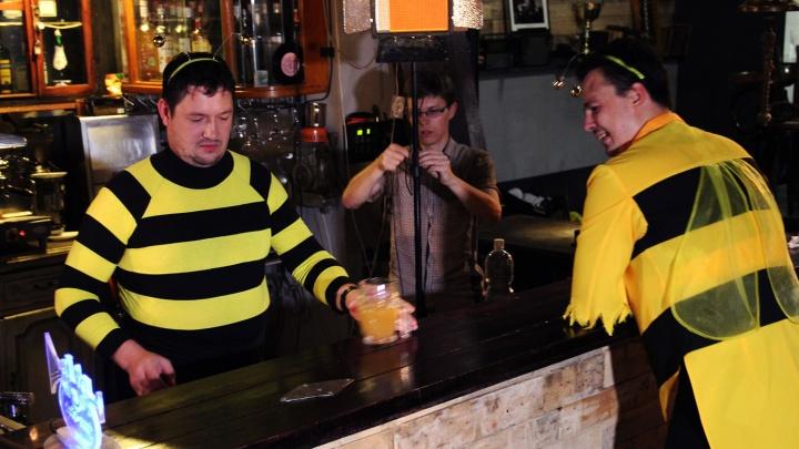 В Новосибирске начали снимать клип про пчёл-алкоголиков