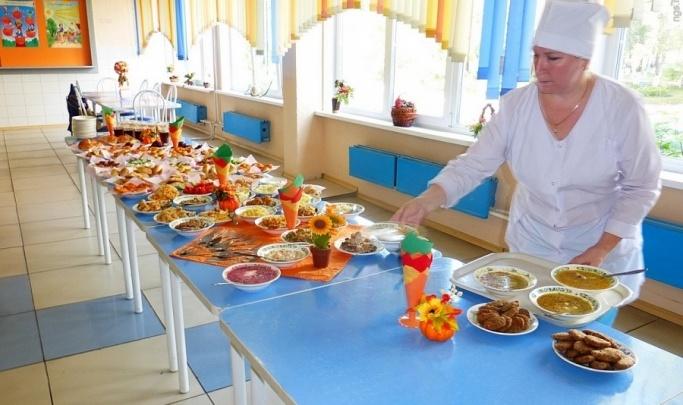 Красноярские школы начали готовить к бесплатным обедам для учеников начальных классов