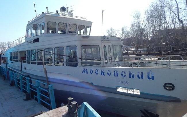 Пустят с молотка: теплоэнергетики снова продают теплоход «Московский»