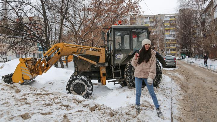 Стрим UFA1.RU: корреспонденты проверяют дворы, которые обещали расчистить от снега коммунальщики