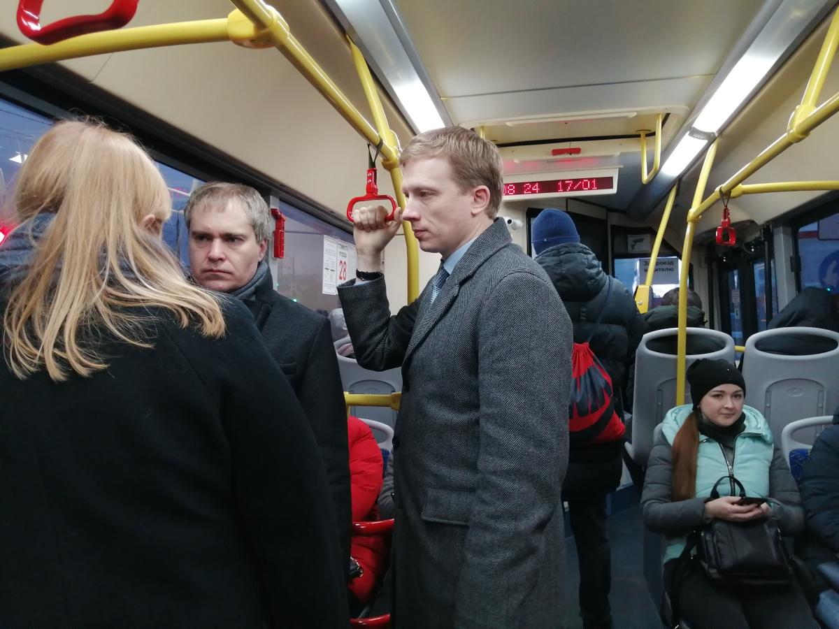 По лицу мэра не так-то просто определить, доволен он работой нижегородских автобусов или нет