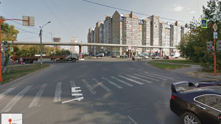 Гибель детей под колёсами автобуса на Судостроительной эксперт объяснил неправильным перекрёстком