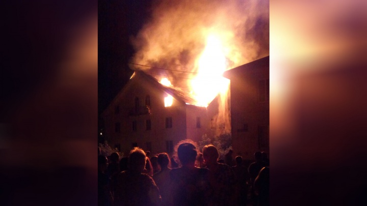 В Уфе из-за пожара из дома эвакуировали 15 человек: есть пострадавший