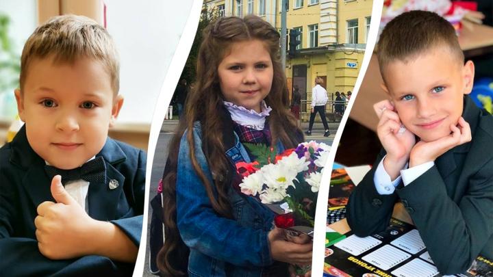 Белые банты и беззаботные улыбки: инстародители из Архангельска показали своих первоклашек