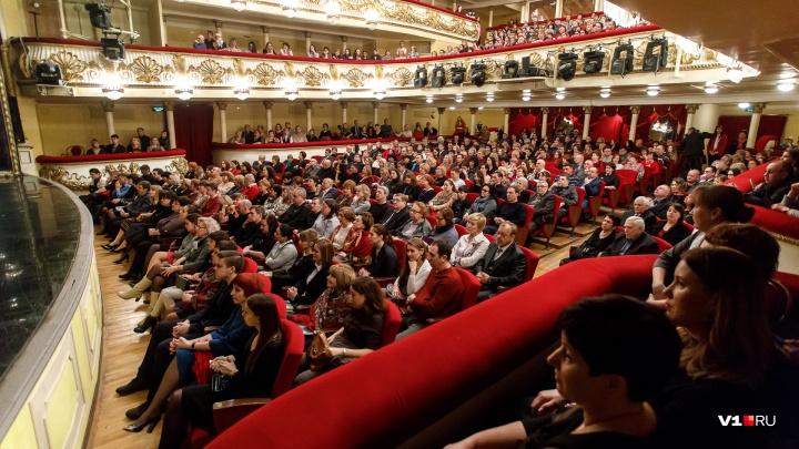 Актеры из Краснодара на три дня подвинут коллег из экспериментального театра Волгограда