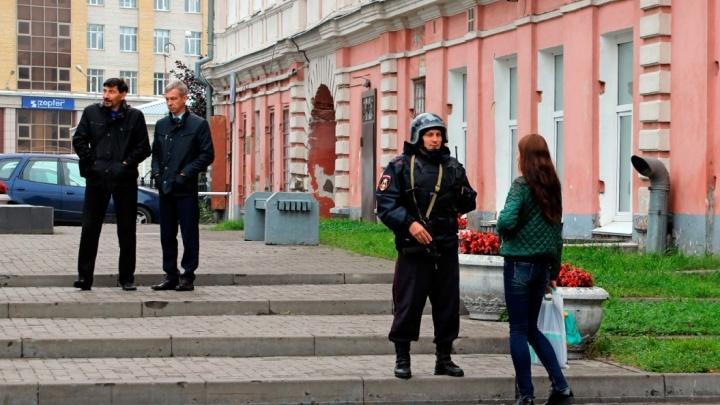 «Это не учения»: в Омске эвакуируют школы и торговые центры