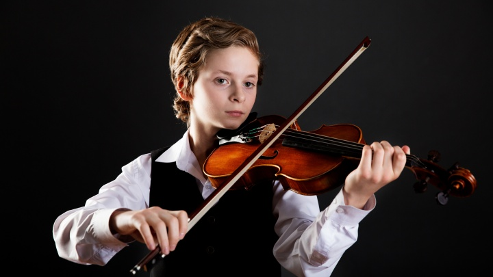 Юный скрипач из Новосибирска выступил перед жюри нового сезона конкурса талантов «Синяя птица»
