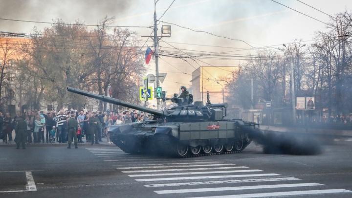 Центр Нижнего Новгорода последний раз встанет в пробках из-за генеральной репетиции парада