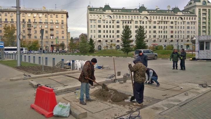 Заплатят все: мэрия оштрафует подрядчика за долгое строительство платных парковок