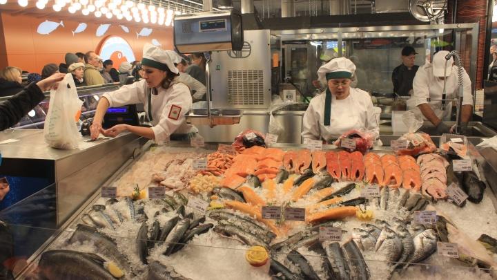 Постимся и закусываем: в Новосибирске резко выросло количество рыбных магазинов