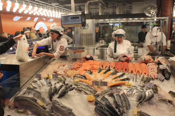 Первым в Новосибирске формат современных рыбных магазинов начала развивать компания «Рыбный день»