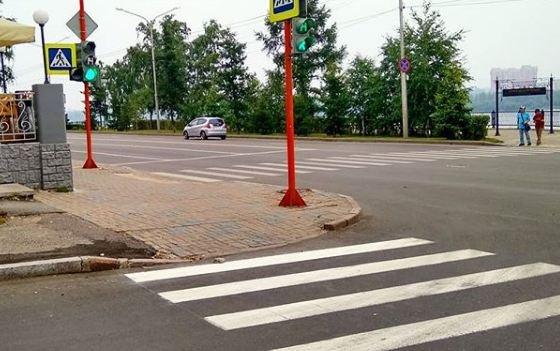 Общественник на примере одного перекрестка показал, какой должна быть доступная среда